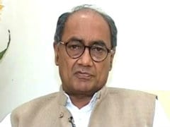"Seer Who Performed A <i>""Yagna""</i> For Digvijaya Singh Sacked"