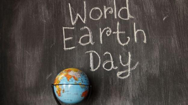 #EarthDay: अर्थ डे के 'अर्थ' को समझाने में कारगर हैं सेलेब्स के ये ट्वीट्स...