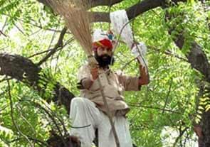 किसान गजेंद्र ने लीडर से क्रिकेटर तक को बांधा था साफा
