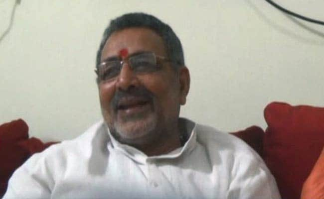 Union Minister Giriraj Singh Demands Ban On Use Of Green Flags�