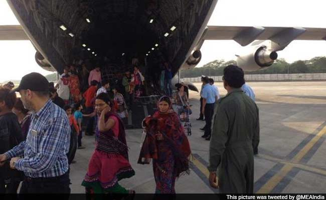 Indian Air Force Steps Up Rescue Sorties in Earthquake-Hit Nepal