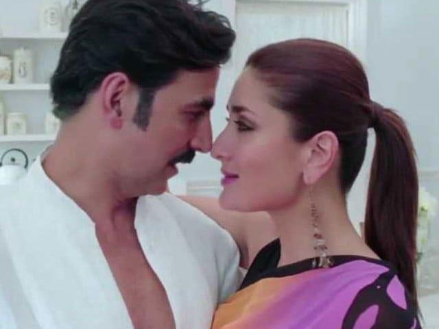 Kareena, Akshay Sing About Teri Meri Kahaani