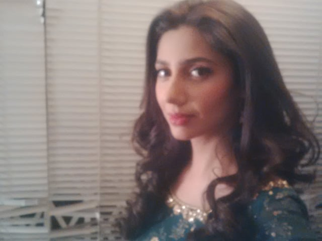For Mahira Khan, a Pre-Raees Photoshoot Before Leaving Pakistan For Mumbai