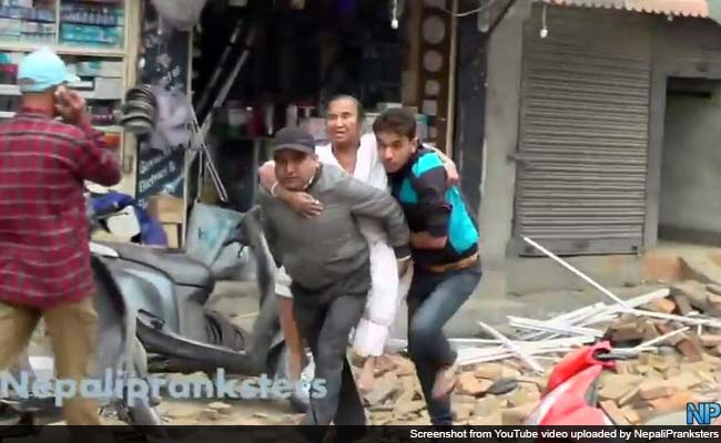 'Pranksters' Record First 18 Minutes of Deadly Nepal Earthquake