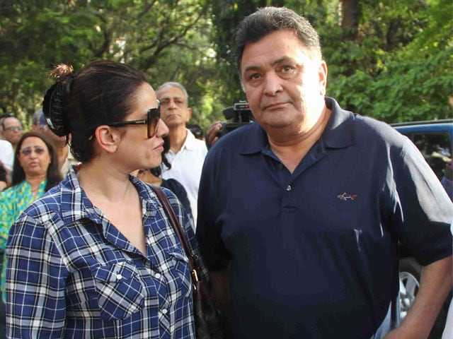 Rishi Kapoor, Other Celebs Protest Against Opening up Pali Hill to Hawkers