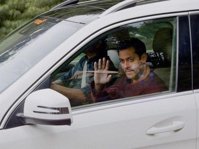 Salman Khan Shoots Bajrangi Bhaijaan in Pahalgam; Tourists Angry, Locals Happy