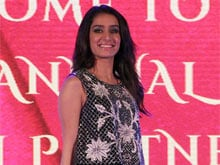 Shraddha Kapoor to Sing Her Songs in <i>Rock On 2</i>