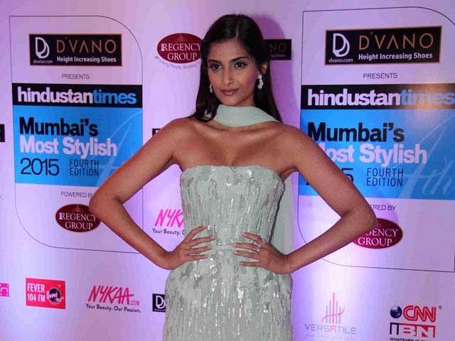Sonam Kapoor Begins Filming Neerja Bhanot Biopic, Bollywood Stars Tweet Good Wishes