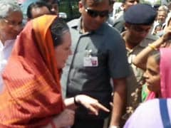 Sonia Gandhi visits Farmers in Madhya Pradesh. 'Where was She Last Year?' Asks BJP