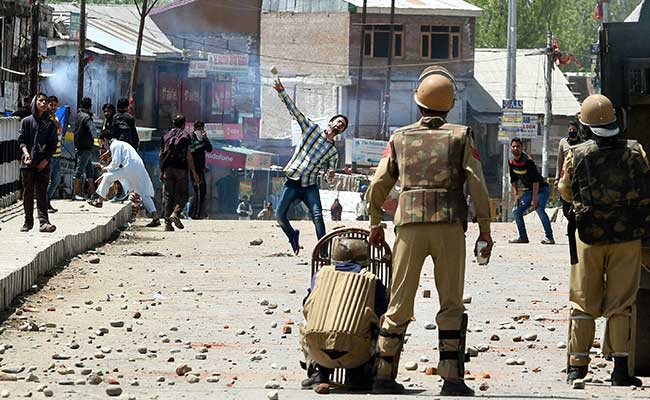 Teen Dies During Protests in Kashmir's Budgam, Magisterial Probe Ordered