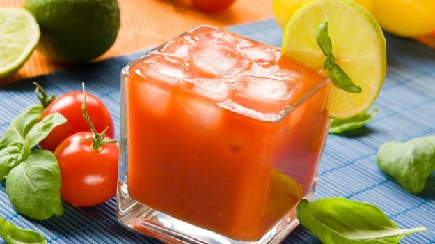 Tomato Juice Benefits: From Improving Digestion To Boosting Eye Health And More!