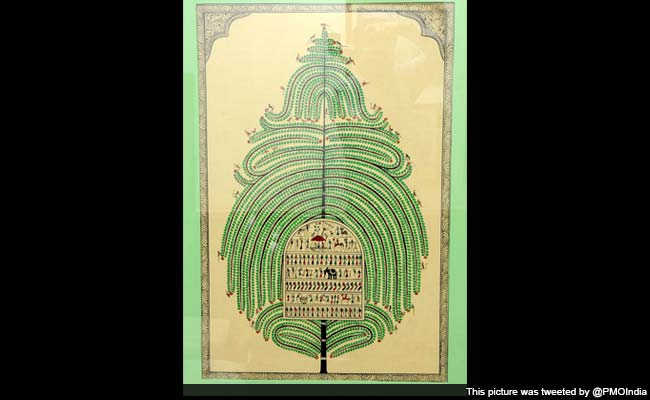 PM Narendra Modi Gifts 'Tree of Life' Painting to French President Francois Hollande