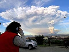 Flights Cancelled as Ash Cloud Pours From Chile Volcano
