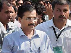 AAP Chief Arvind Kejriwal Appears in a Delhi Court With Other Party Leaders