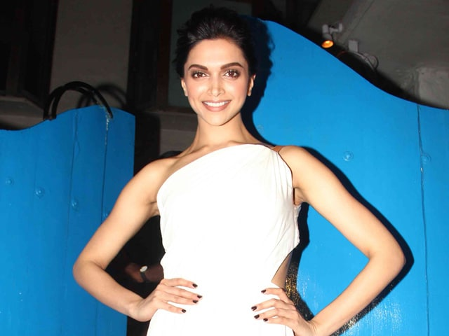 At Deepika Padukone's Piku Party, no Ranbir-Katrina