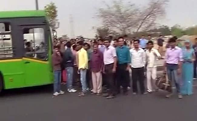 Bus Drivers Call Off Strike After Delhi Government Evokes ESMA