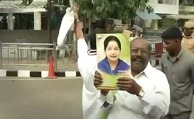 'Our Mother is Back', Say Ecstatic Jayalalithaa Fans Ahead of Her Return as Chief Minister