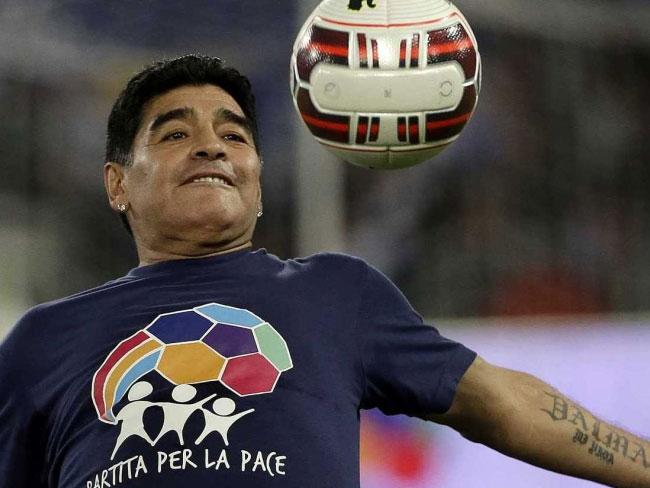 कोलकाता में दुर्गा पूजा पंडाल का उद्घाटन करेंगे अर्जेंटीना के महान फुटबॉलर माराडोना