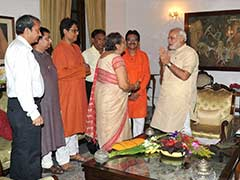 Subhas Chandra Bose's Family Meets PM Narendra Modi, Urges Him to Declassify Files Related to Netaji