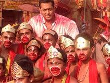 Salman Khan's <i>Bajrangi Bhaijaan</i> Not Delayed, Will Release on Eid: Kabir Khan