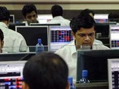 Small Stocks Take Big Hit, Lag Behind Blue-Chips