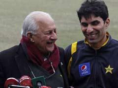 पाकिस्तान क्रिकेट बोर्ड के प्रमुख को कोलकाता हवाई अड्डे पर रोका गया