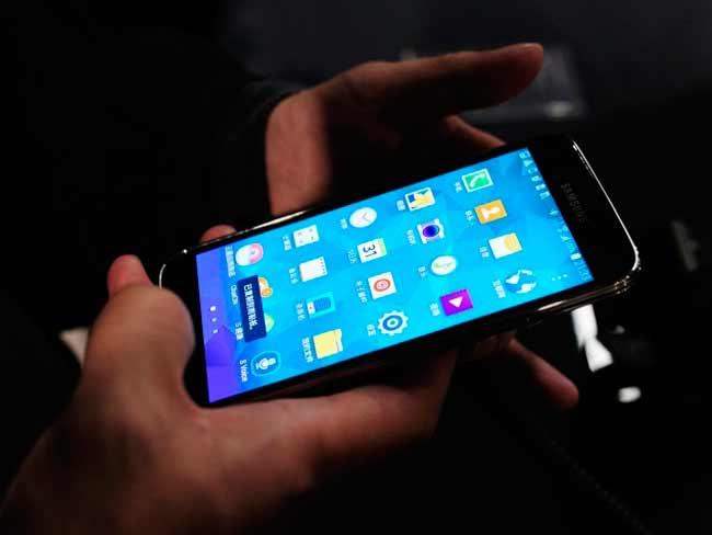 अपना पुराना स्मार्टफोन बेचने की सोच रहे हैं तो सावधान, डेटा हो सकता है चोरी