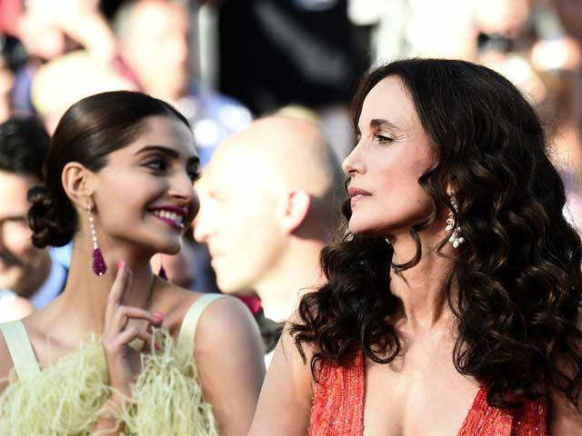 Cannes 2015: Sonam Kapoor's Gift for Andie MacDowell Was Made in India