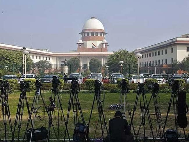 Supreme Court Order on Aadhaar Puts Brakes on Election Commission's Project