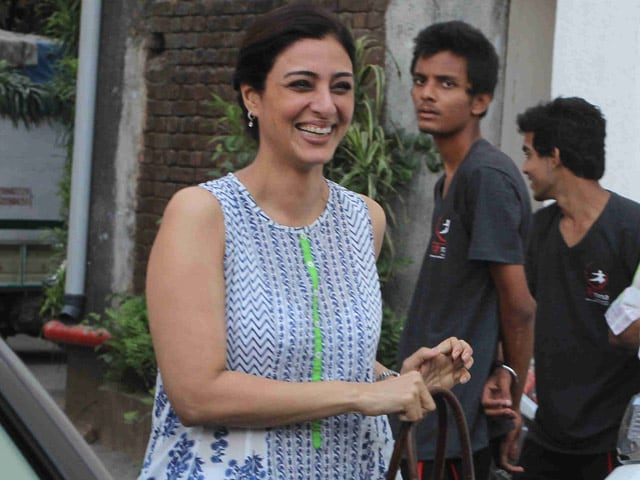 Great Expectations of Tabu as She Replaces Rekha in Fitoor