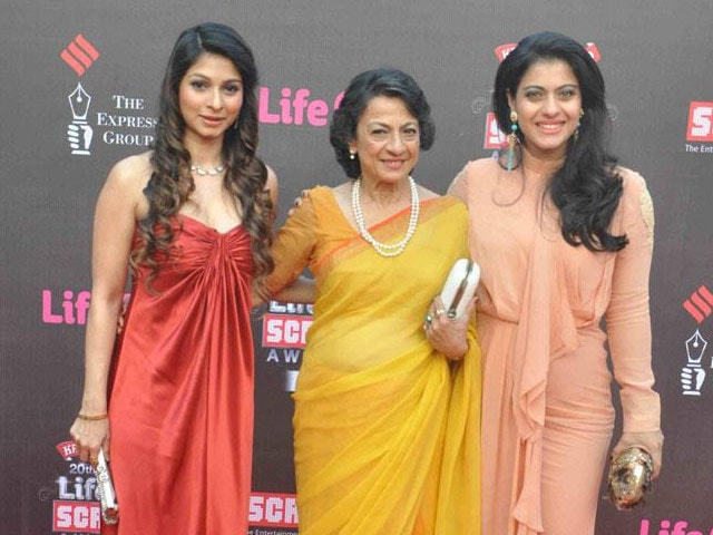 Tanuja, Daughters Kajol and Tanishaa Create Breast Cancer Awareness