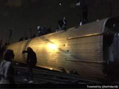 अमेरिका के फिलाडेल्फिया में एमट्रैक ट्रेन पटरी से उतरी, पांच लोगों की मौत