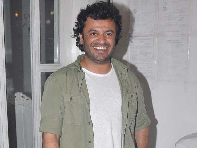 Vikas Bahl Wishes Short Film Anthology Chaar Cutting Well