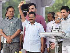 Delhi Government Releases Salaries of Sanitation Workers, Arvind Kejriwal Blames Centre for Delay