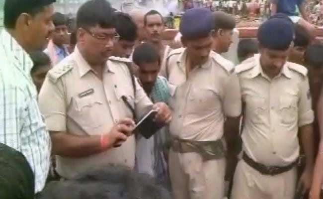 बिहार में दो स्कूली छात्रों की मौत से गुस्साए लोगों ने प्रिसिंपल को पीट-पीटकर मार डाला