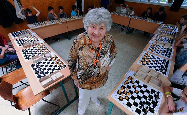 Hungarian Supergranny Closes in on World Chess Record