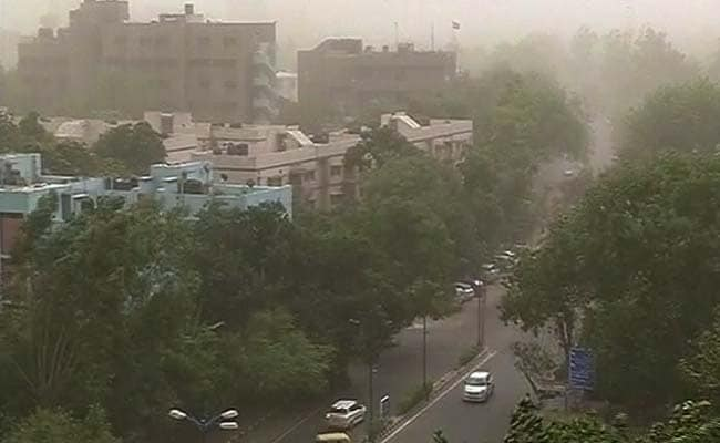 Dust Storm, Light Drizzle In Delhi; MeT Department Keeps A Watch