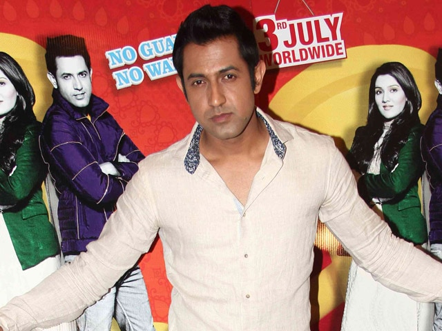 Gippy Grewal Says he Hasn't Fallen Out With Honey Singh