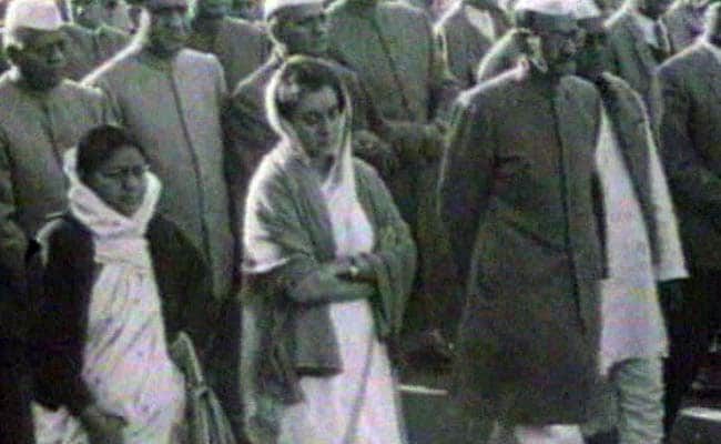 indira gandhi emergency
