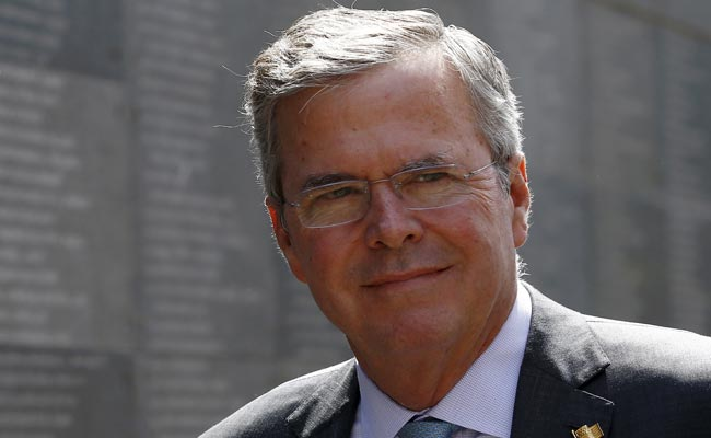 In Race for US Presidency, Jeb Bush Runs From Mitt Romney's Ghost