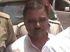 Students Raise Slogans as Former Delhi Minister Jitender Singh Tomar Arrives in Bhagalpur, Throw Eggs at Him
