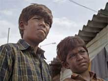 Dhanush's <i>Kaaka Muttai</i> Makes Commendable Rs 2.4 Cr at Box Office