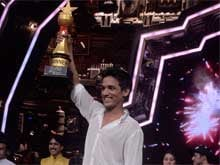 Manik Paul Wins <i>India's Got Talent</i>, Receives Standing Ovation for Final Performance