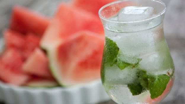 ditch-the-sugar-laden-colas-make-your-own-flavoured-water-this-summer-2