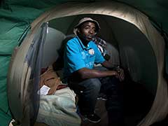 A Life in Limbo for Migrants Stuck on the French-Italian Border