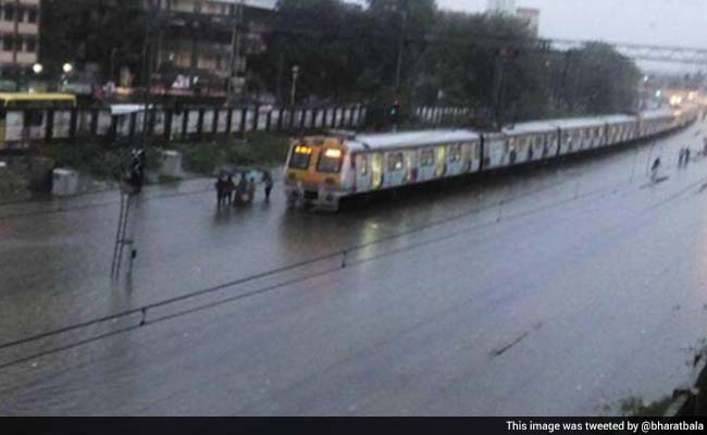 Trains and Flights Delayed in Mumbai Due to Heavy Rain