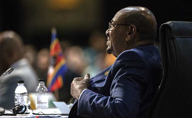 Sudan Says President Omar-al-Bashir Flying Home From South Africa