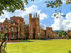 Muslim Students 'Praying in Corridors' at Queen's University Belfast