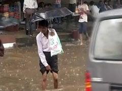 बारिश ने रोकी मुंबई की रफ्तार, जानें 10 अहम डेवलपमेंट्स