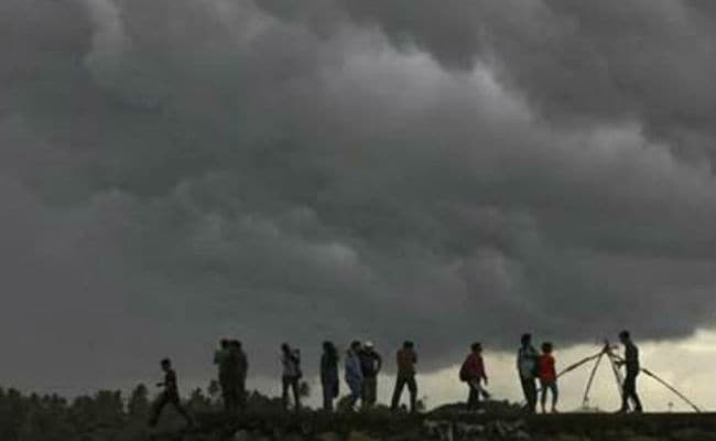 Snow, Rains Lash Himachal Pradesh For Second Day